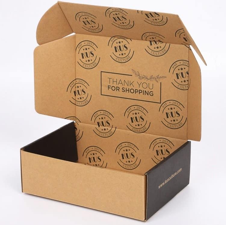 Pudełka kartonowe pozwalają na budowanie relacji z klientami